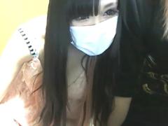 Fカップの黒髪美少女